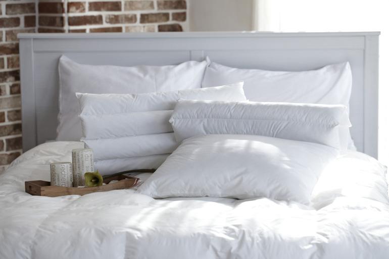pillow-1890940_1920 (2)